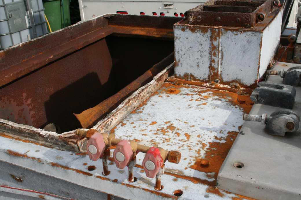 Reparatur Gulaschkanone im Feldküchencenter